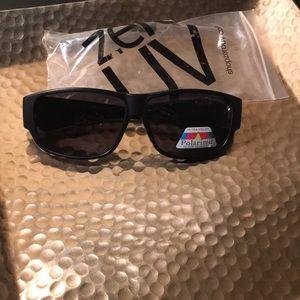 ZeroUV Polarized Block Sunglasses. Thick arms